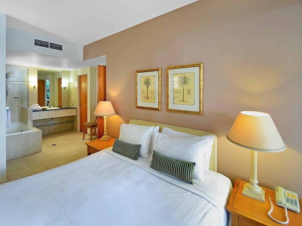 Laguna on Hastings - Master Bedroom