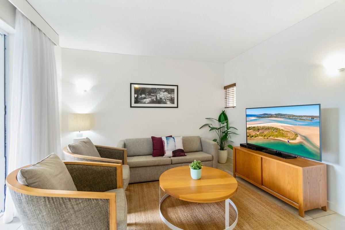 212 Laguna on Hastings - Living Area